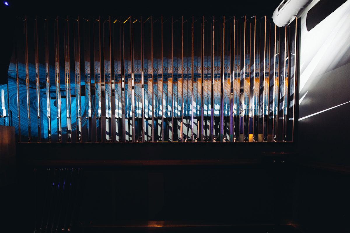 elephant bar the dorf. Black Bedroom Furniture Sets. Home Design Ideas